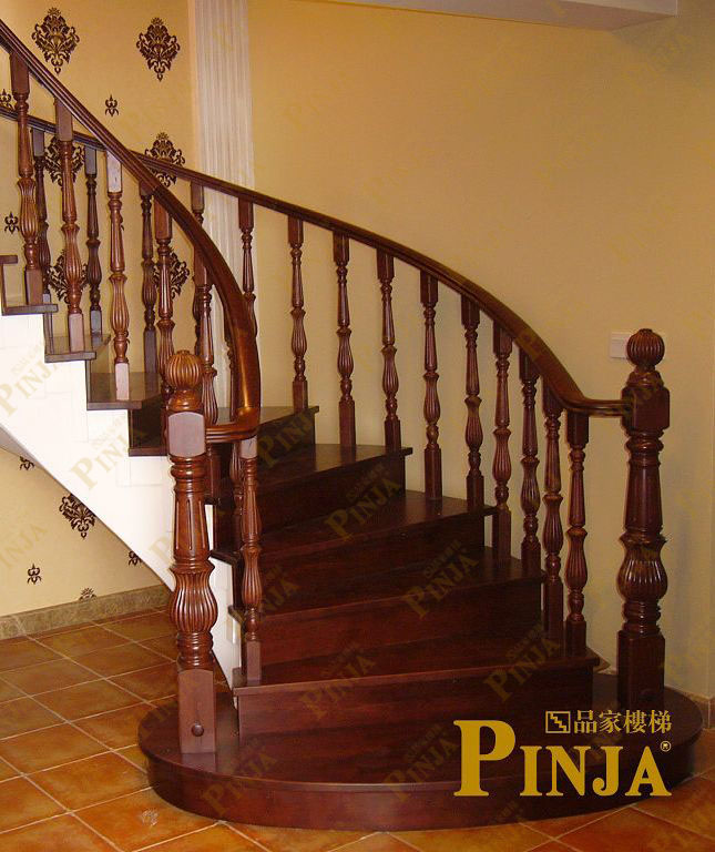 别墅实木楼梯案例欣赏