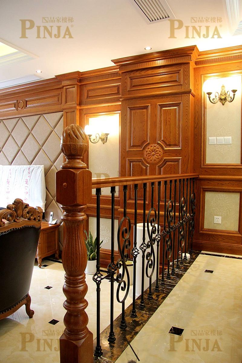 量房定制整木家装楼梯_木楼梯踏板铁艺飘窗栏杆_四季御庭楼梯