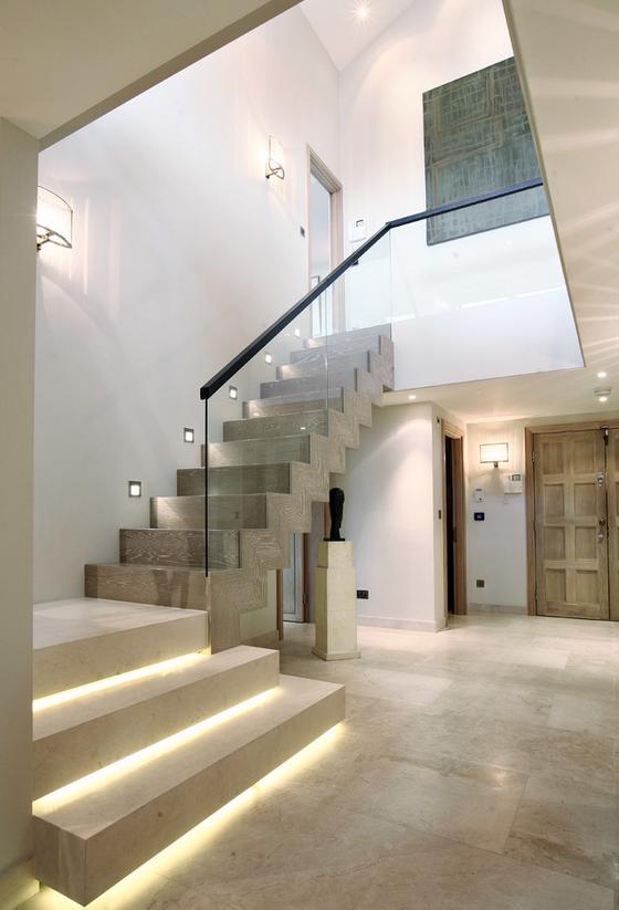 欧式楼梯下面柜子