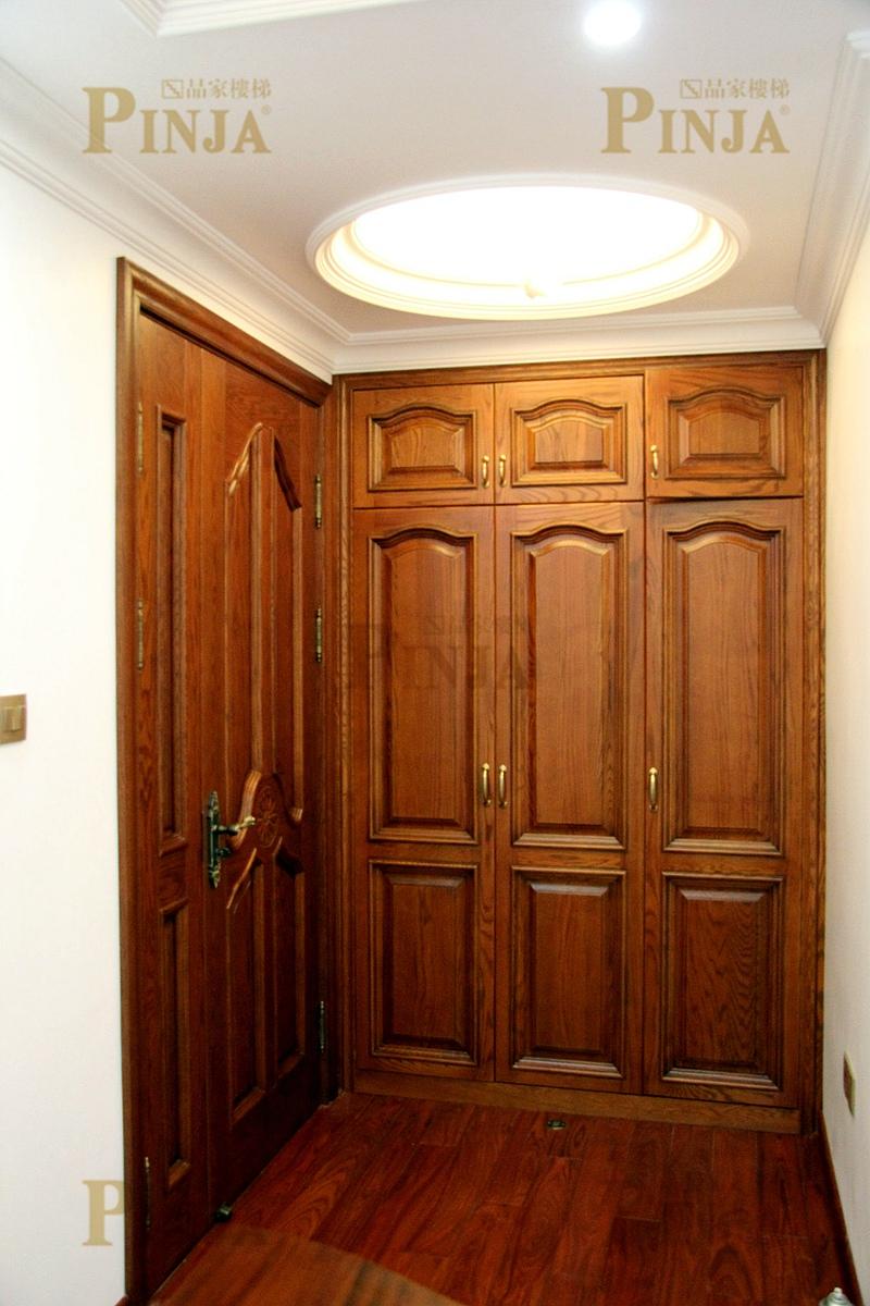 踢脚线与木地板接口楼梯板与实木地板衔接处设计