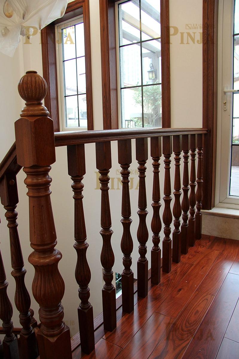 踢脚线与木地板接口_楼梯板与实木地板衔接处设计